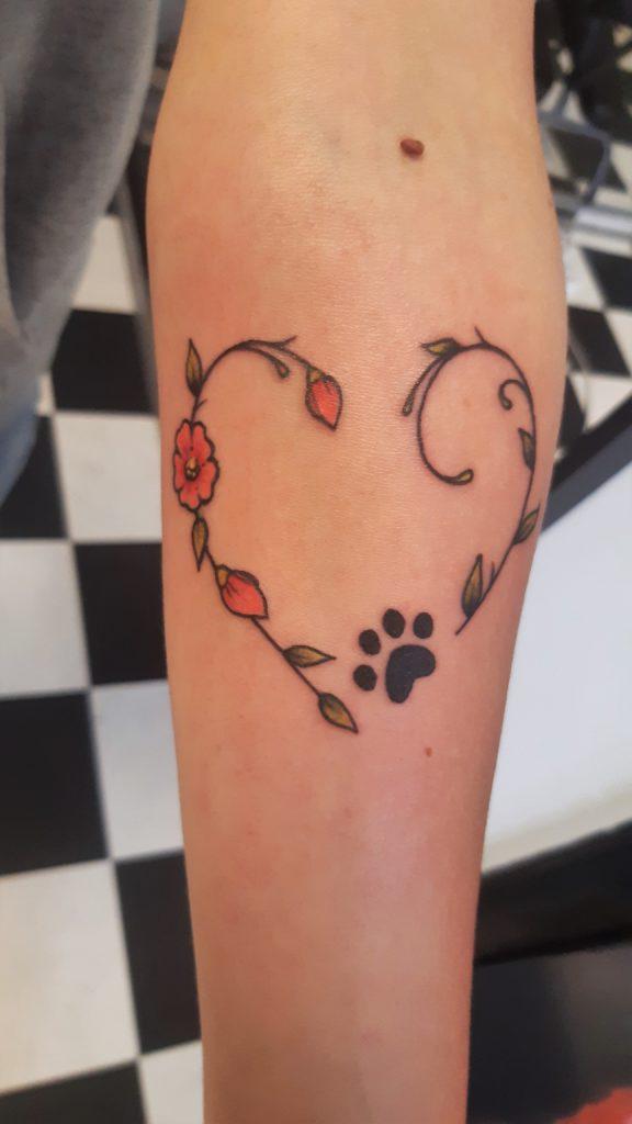 hondenpoot hart tattoo