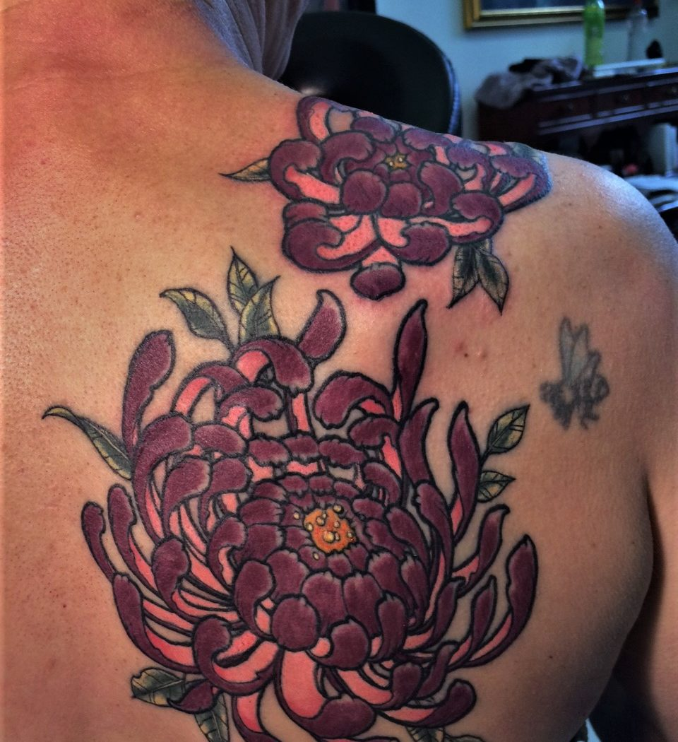 chrysanthemum tattoo jarpanese design from our tattooshop