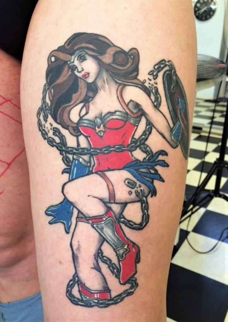 Wonder woman tattoo, DC comics legpiece