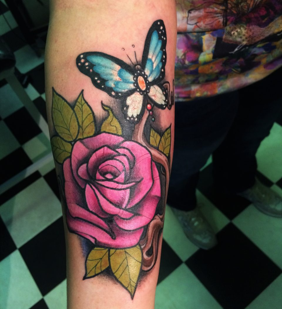newschool full colour custom rose tattoo from our tattooshop in Rotterdam.